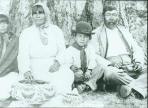 Indian family with two children and baskets, NB A-5-1